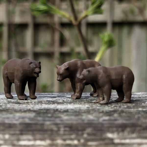 HO scale model bears