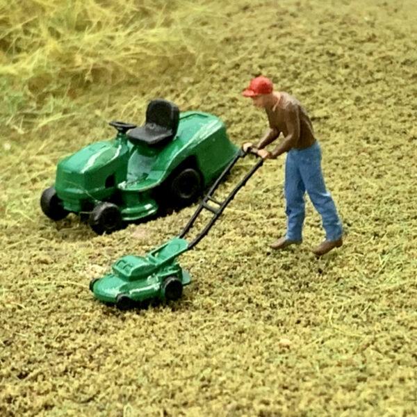 Miniature model lawn mower